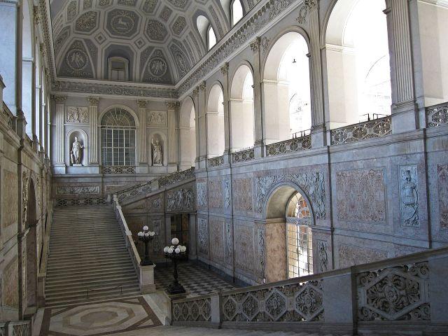 1280px-Napoli_-_Palazzo_Reale20.jpg